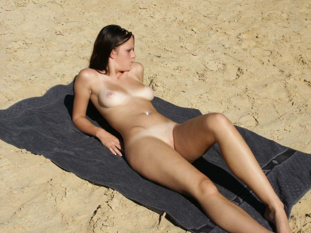 nudist girls tan lines